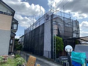 横浜市青青葉区市が尾町で日本ペイントダイヤモンドコート塗装始まっています。