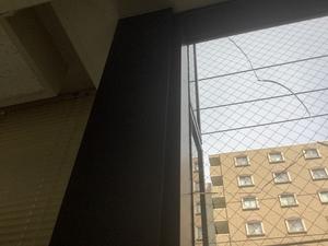 横浜市西区楠町Tビルでミラーガラス板交換工事