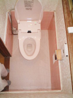 横浜市青葉区 タイル貼りで寒かったトイレが暖房付きで快適に!