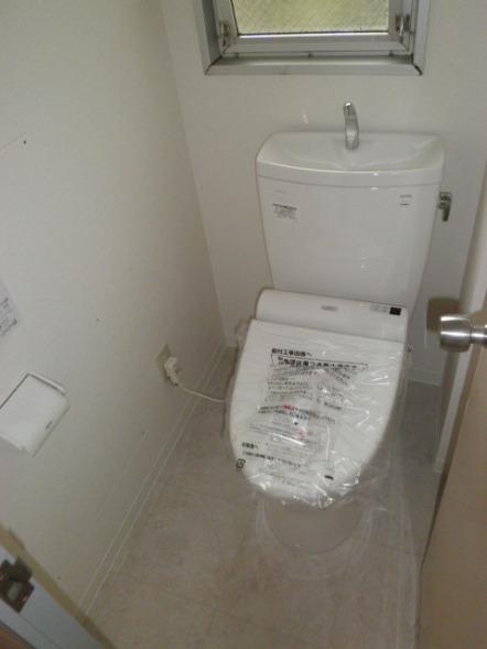 稲城市トイレ交換・内装工事