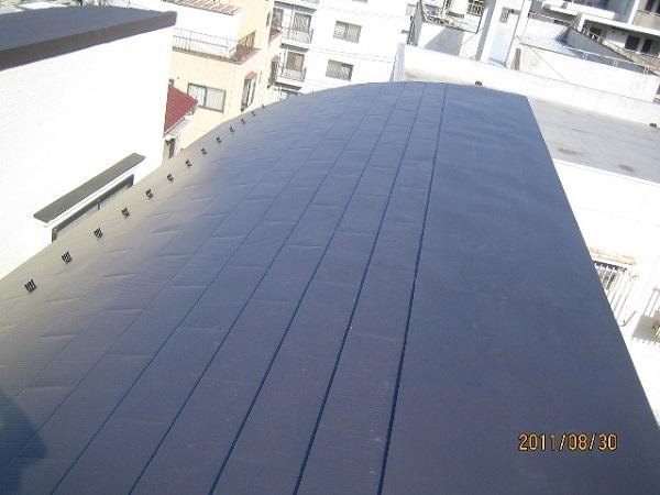 川崎市高津区 ガルバリウム屋根に吹き替えました