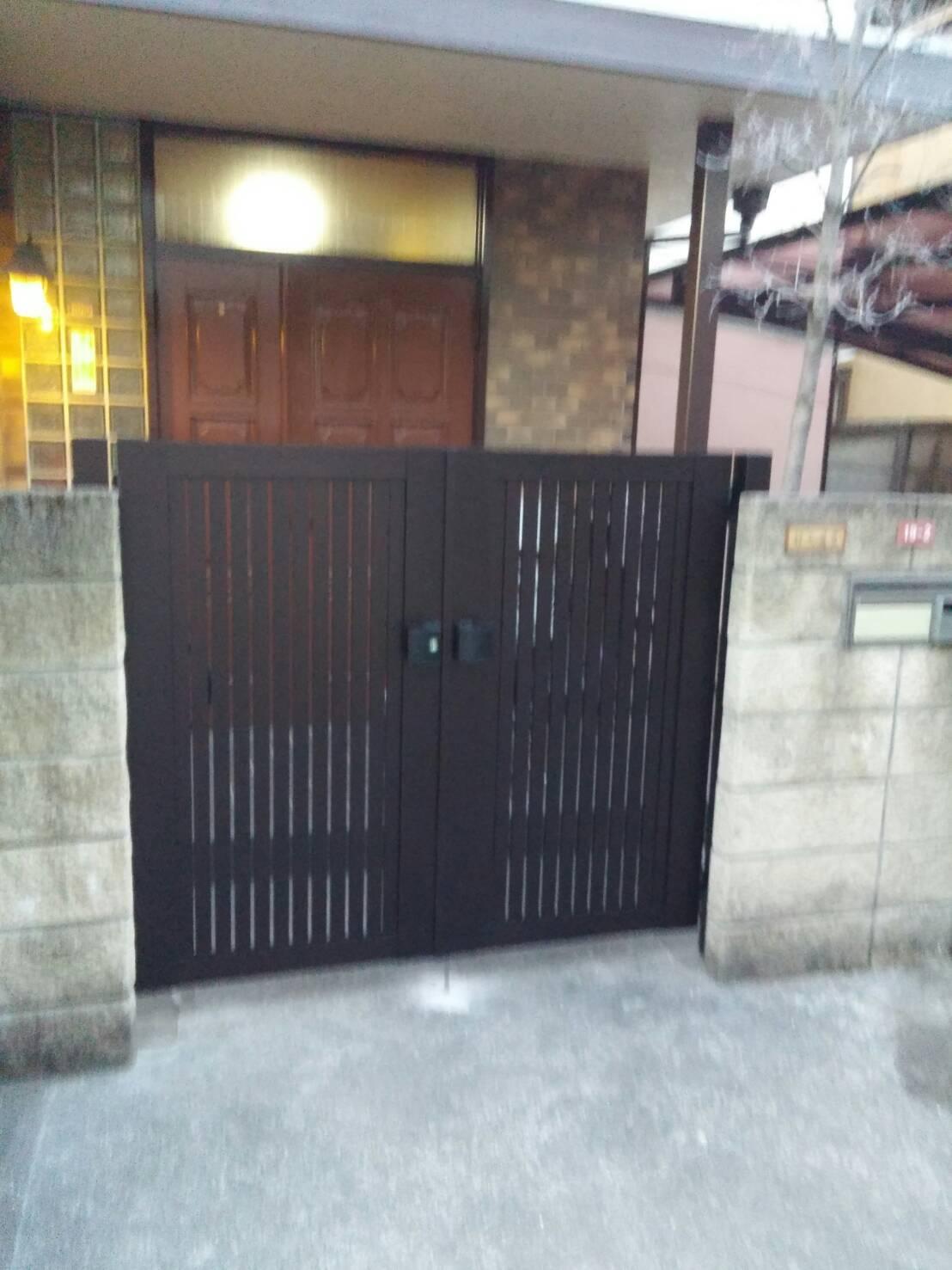 門扉完了です YKK シンプレオ門扉4型