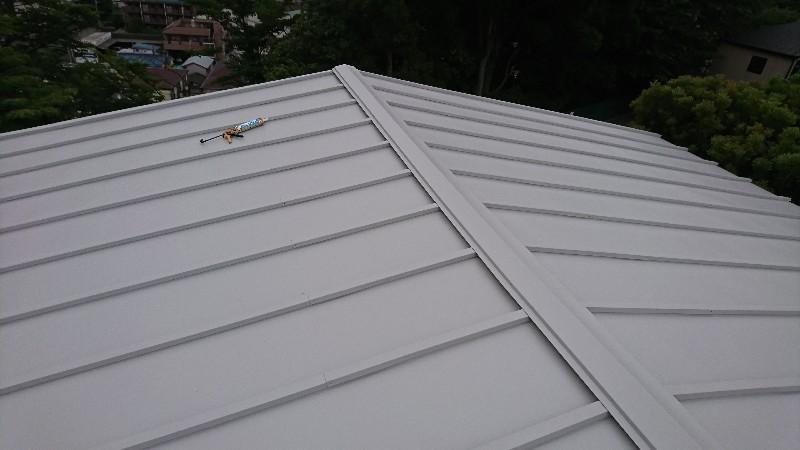 トタン屋根上葺き工事
