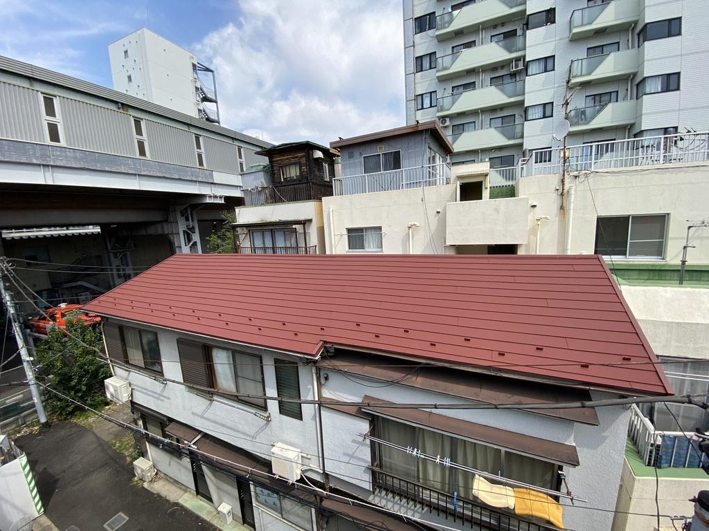 品川アパートで屋根上葺き工事