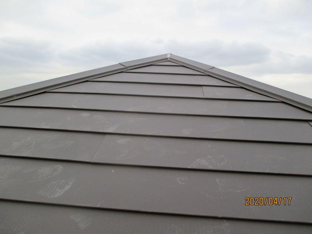 屋根材の剥離 屋根上葺き工事しました