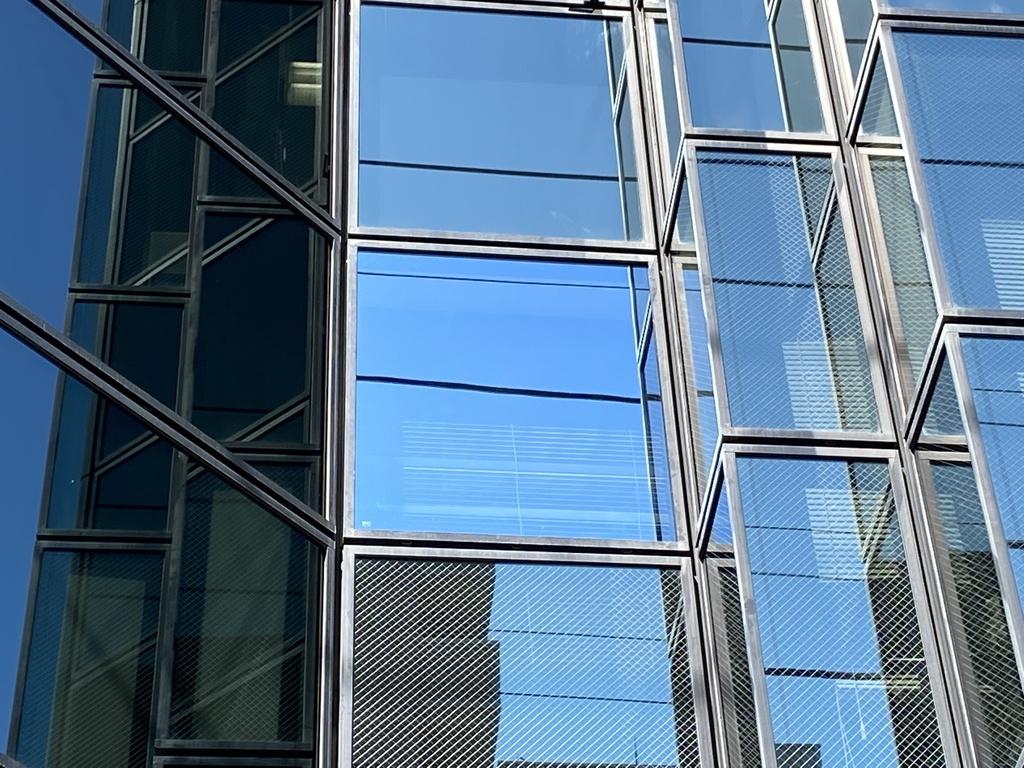 横浜市Tビル 外部ガラス交換工事