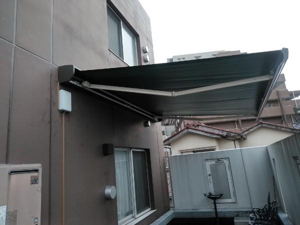 横浜市商業ビル オーニング取付工事